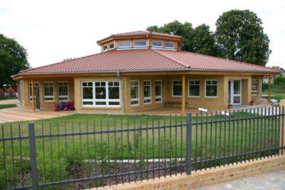Dacheindeckung eines Kindergartens